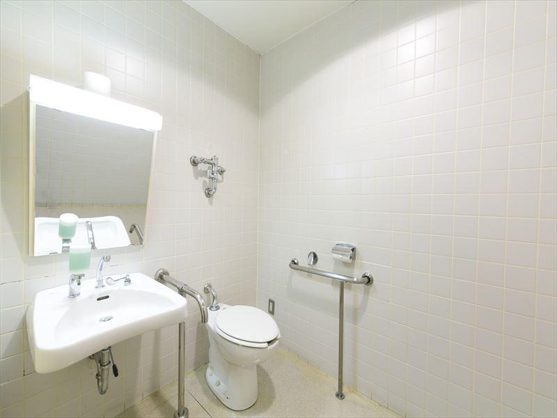 (B1F)ユニバーサルトイレ