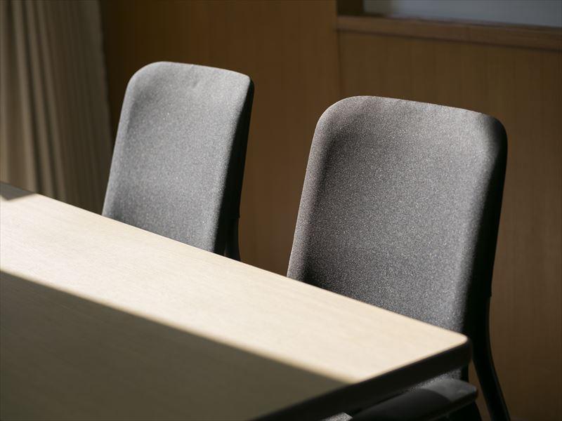 中小会議室用椅子