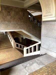 市役所階段