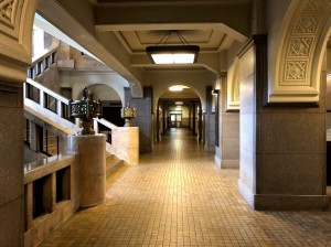 市役所廊下